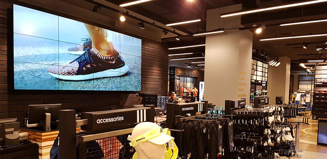 VIDEO WALL CAJA ADIDAS COSTANERA